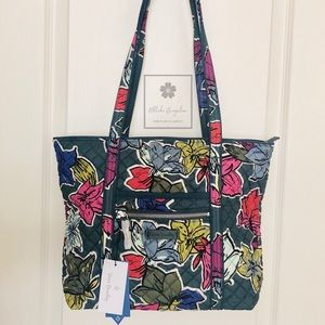 Vera Bradley - Iconic Small Tote - Falling Flowers